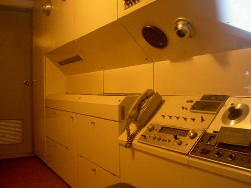 カプセル室内